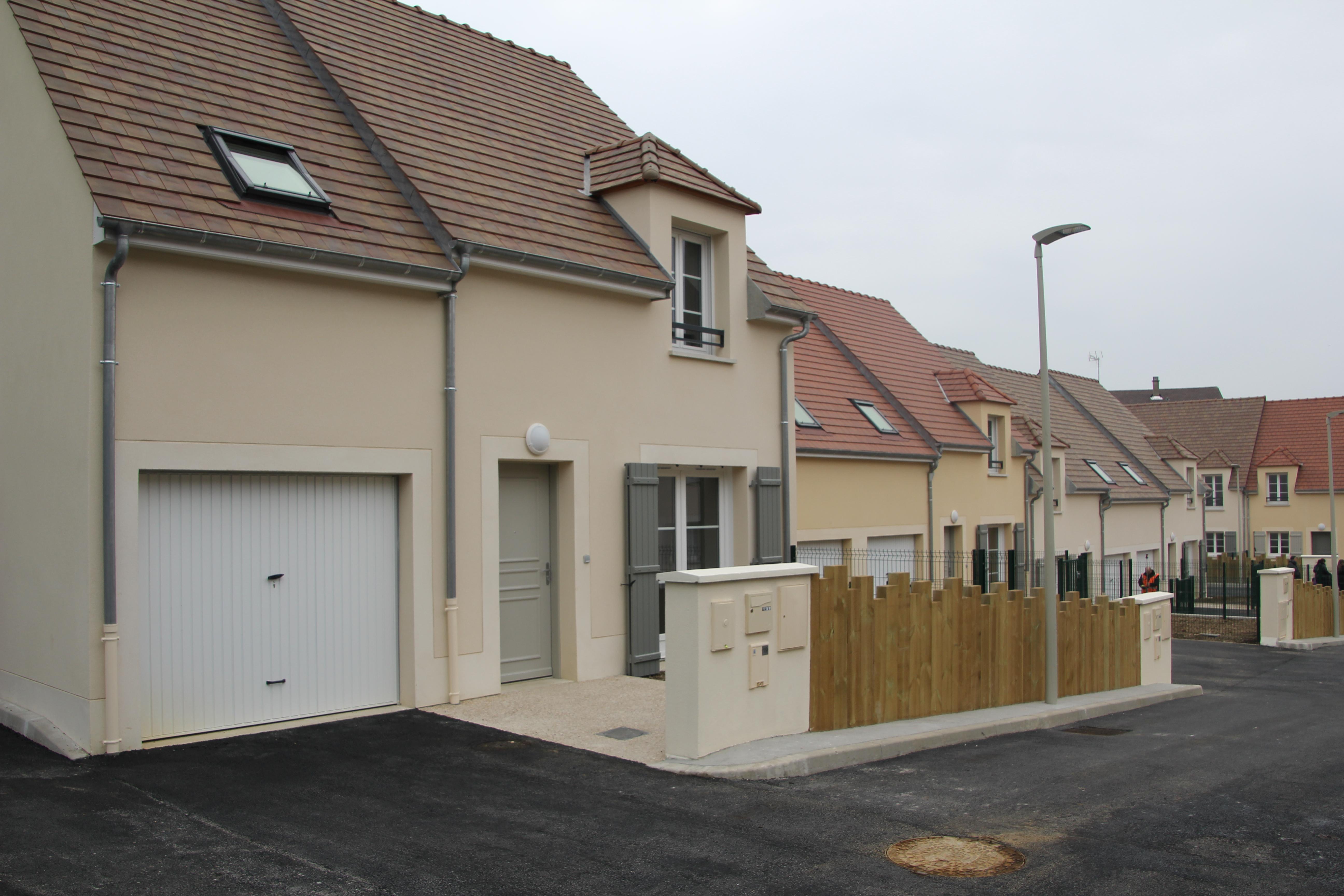oise habitat location maison ventana blog. Black Bedroom Furniture Sets. Home Design Ideas
